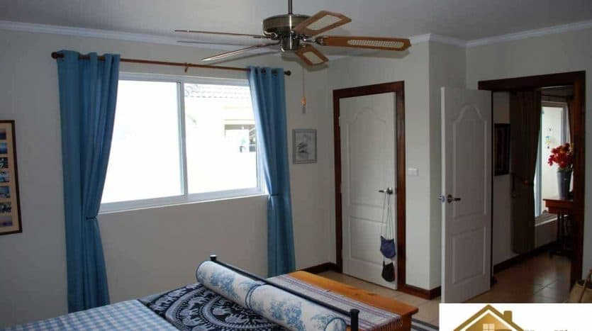 Great Value 2 Bed Pranburi Villa For Resale Near Beach