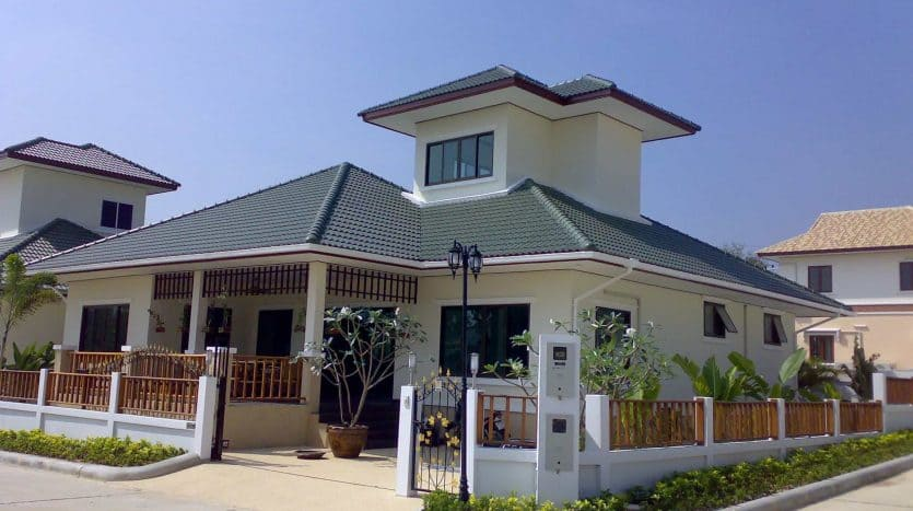 Hua Hin Resale Villa In A Completed Development