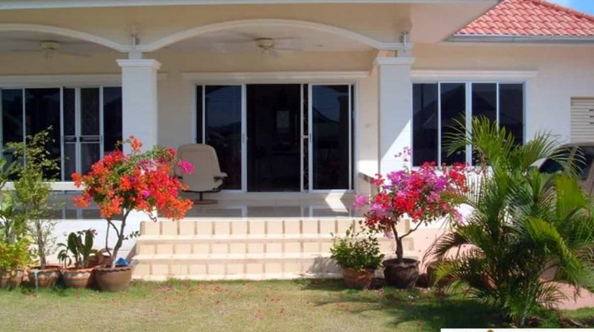 Reduced 3 Bed Hua Hin Resale Property For A Bargain Price