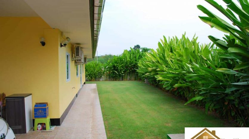 Hua Hin High Quality Private Pool Villa On A Large Plot