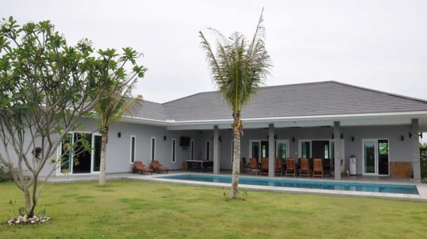 Well Designed Hua Hin Property – High Quality Build Massive Plot