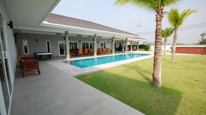 Well Designed Hua Hin Property - High Quality Build Massive Plot