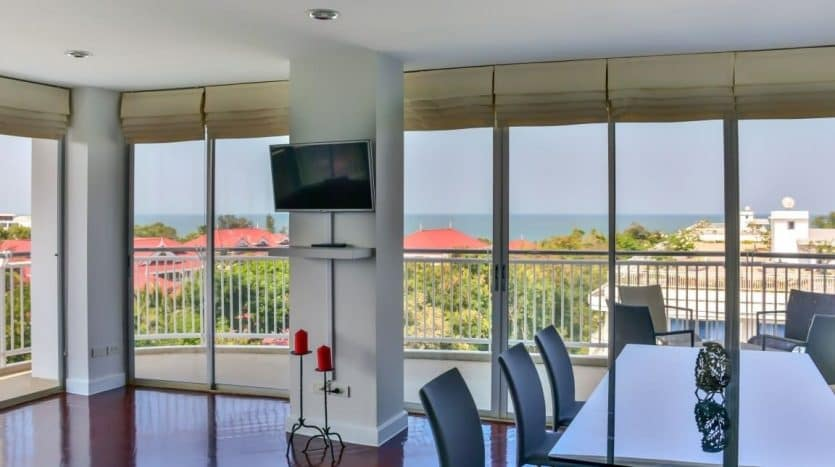 Spacious 3 Bed Hua Hin Condo Unit Offering Panoramic Sea View