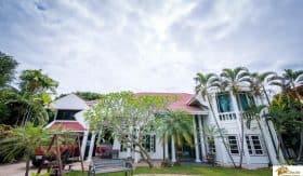 Massive 5 bedroom Villa In Prime Location Central Hua Hin