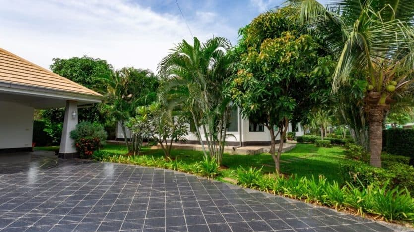 Stunning Hua Hin Resale Pool Villa With Great Views
