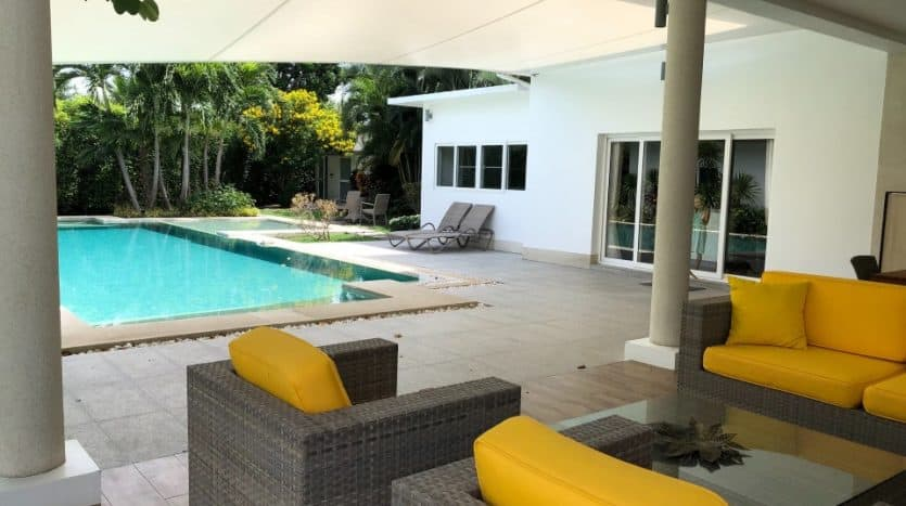 Pool Villa For Sale In A Residential Popular Area