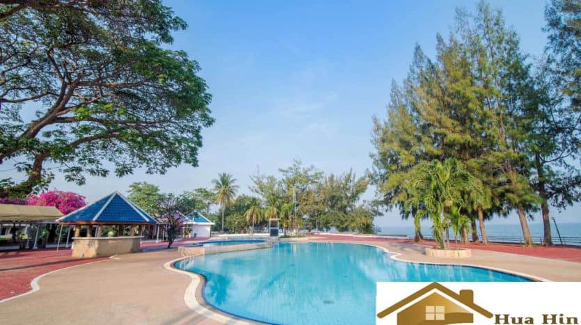 4 Bedroom Pool Villa For Sale Near Cha-Am Beach Overlooking Lake