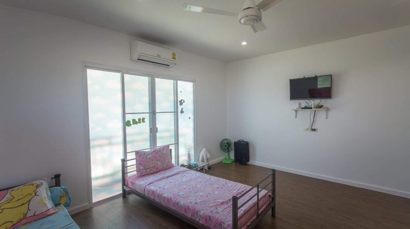 Hua Hin Townhouse For Sale in Glory House 2
